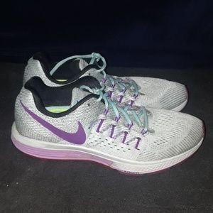 Nike Air Zoom Vomero 10 Shoes Women's sz 11M